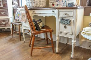 Blue Dandelion By Tiffany Temp Folder Strasburg PA Lancaster County Pennsylvania Reallancastercounty Furniture Home Decor Handmades handcrafted, repurposed, up-cycled amazing vintage pieces hidden gem restored treasures Chalk Paint® by Annie Sloan Miss Mustard Seed Milk Paints Locally Owned Family Operated creatively antique & chicly vintage unique creations